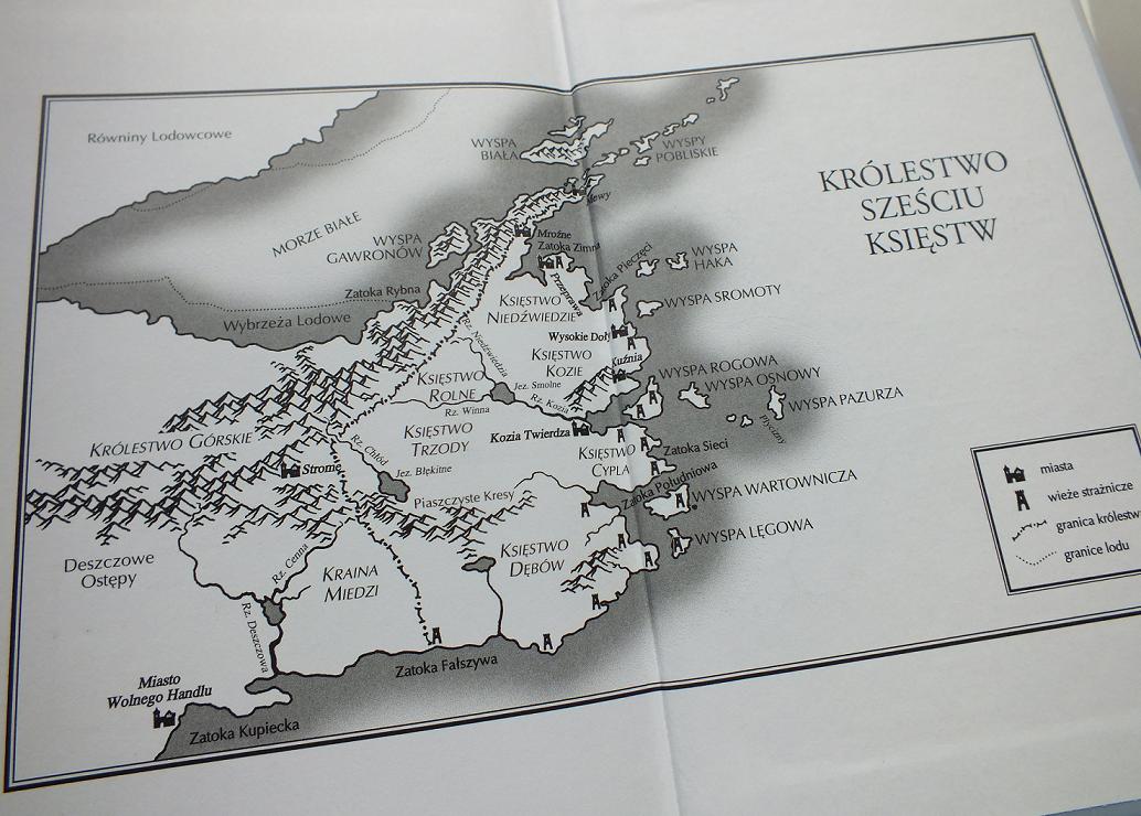 Robin Hobb - Królestwo Sześciu Księstw mapa-1
