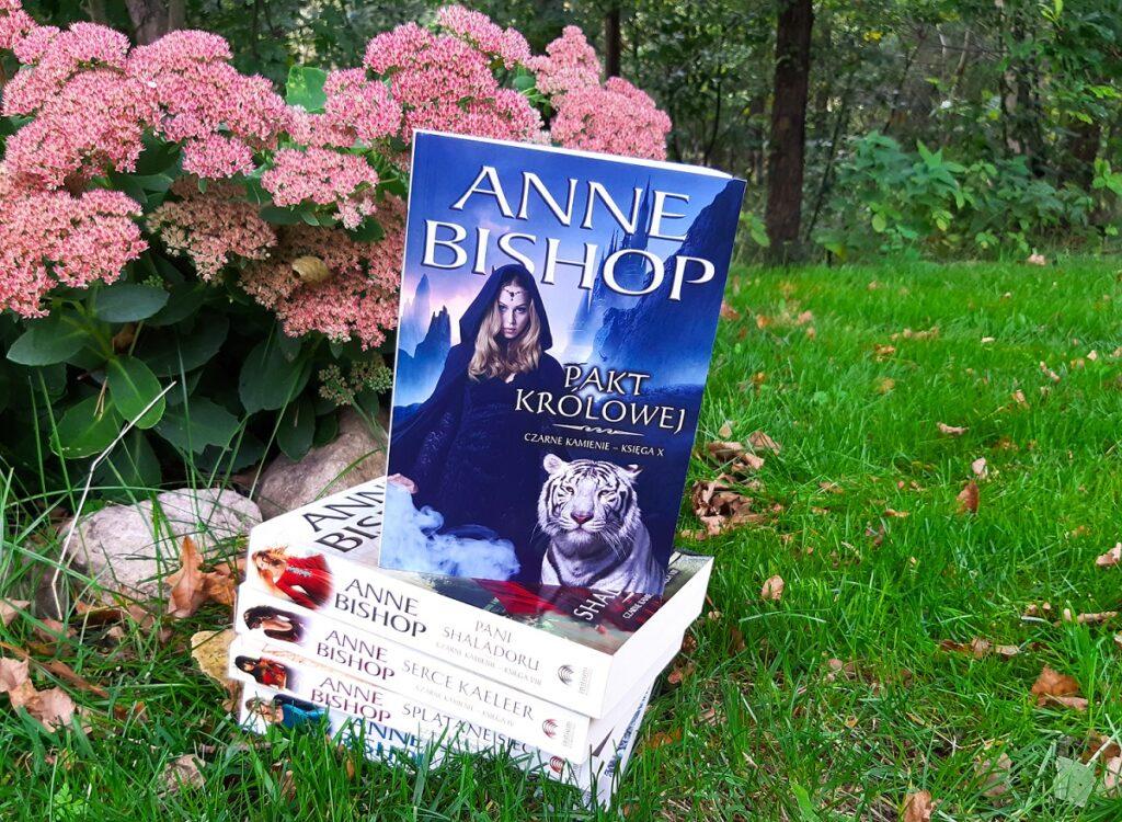 Anne Bishop Pakt Królowej Initium Czarne Kamienie